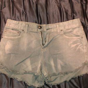 FREE PEOPLE jean short!! Lightly worn!